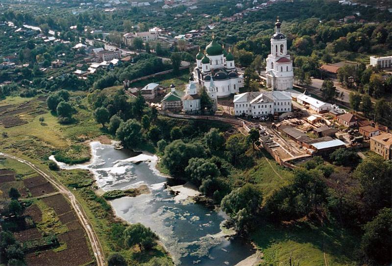 Свято-Боголюбский монастырь с высоты птичьего полета. Фото: www.sv-bogolubovo.ru